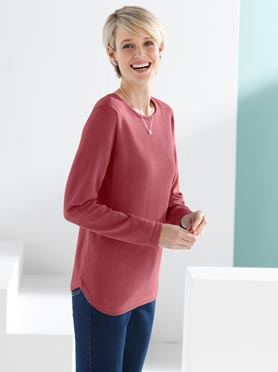 Pull maille fine coupe classique col rond manches longues rouge corail