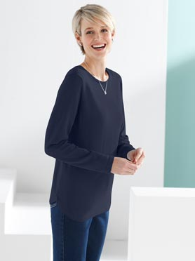 Pull maille fine coupe classique col rond manches longues marine